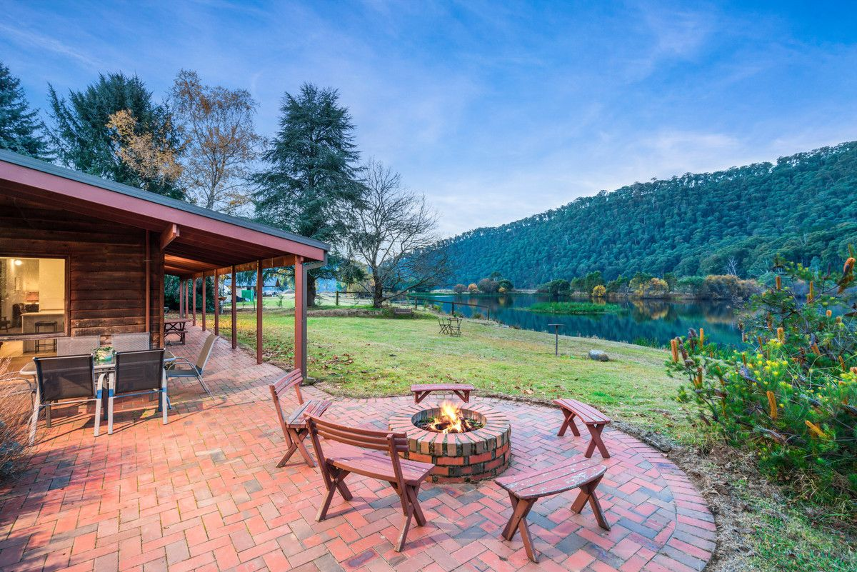 83 Great Alpine Road, Harrietville VIC 3741, Image 0