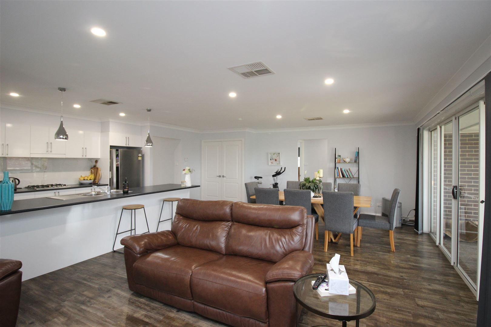 151 Hurley Street, Cootamundra NSW 2590, Image 2