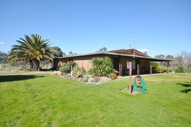 39 Henderson Road, CHILTERN VALLEY VIC 3683, Image 0