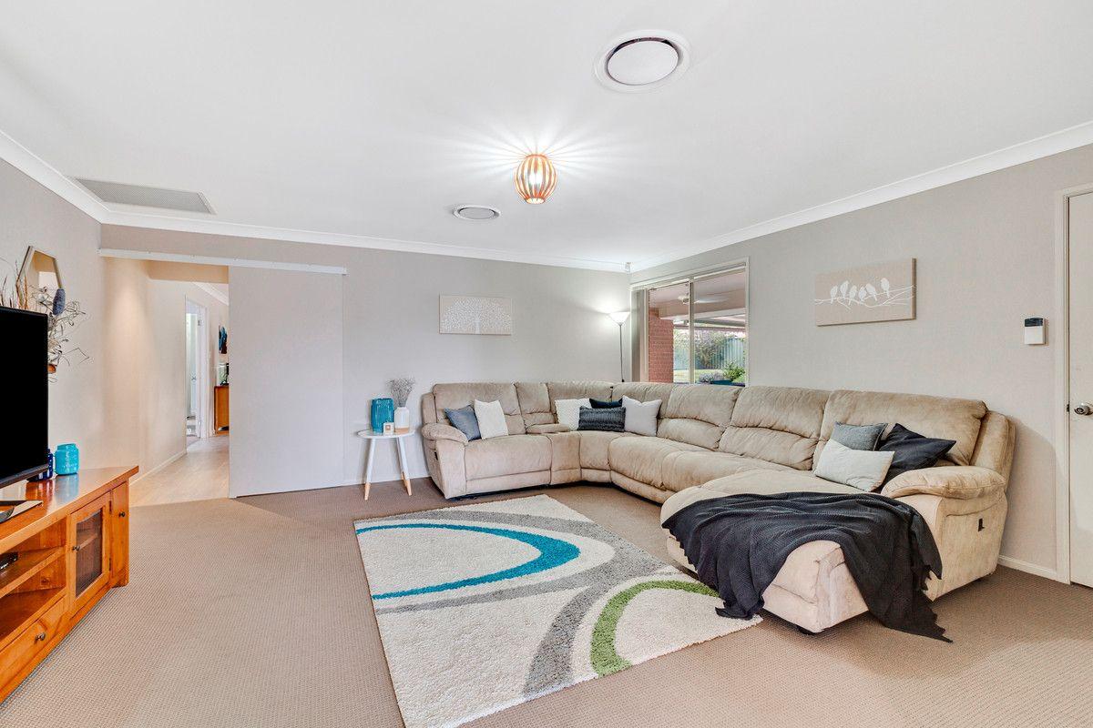 11 Helios Street, Woongarrah NSW 2259, Image 2