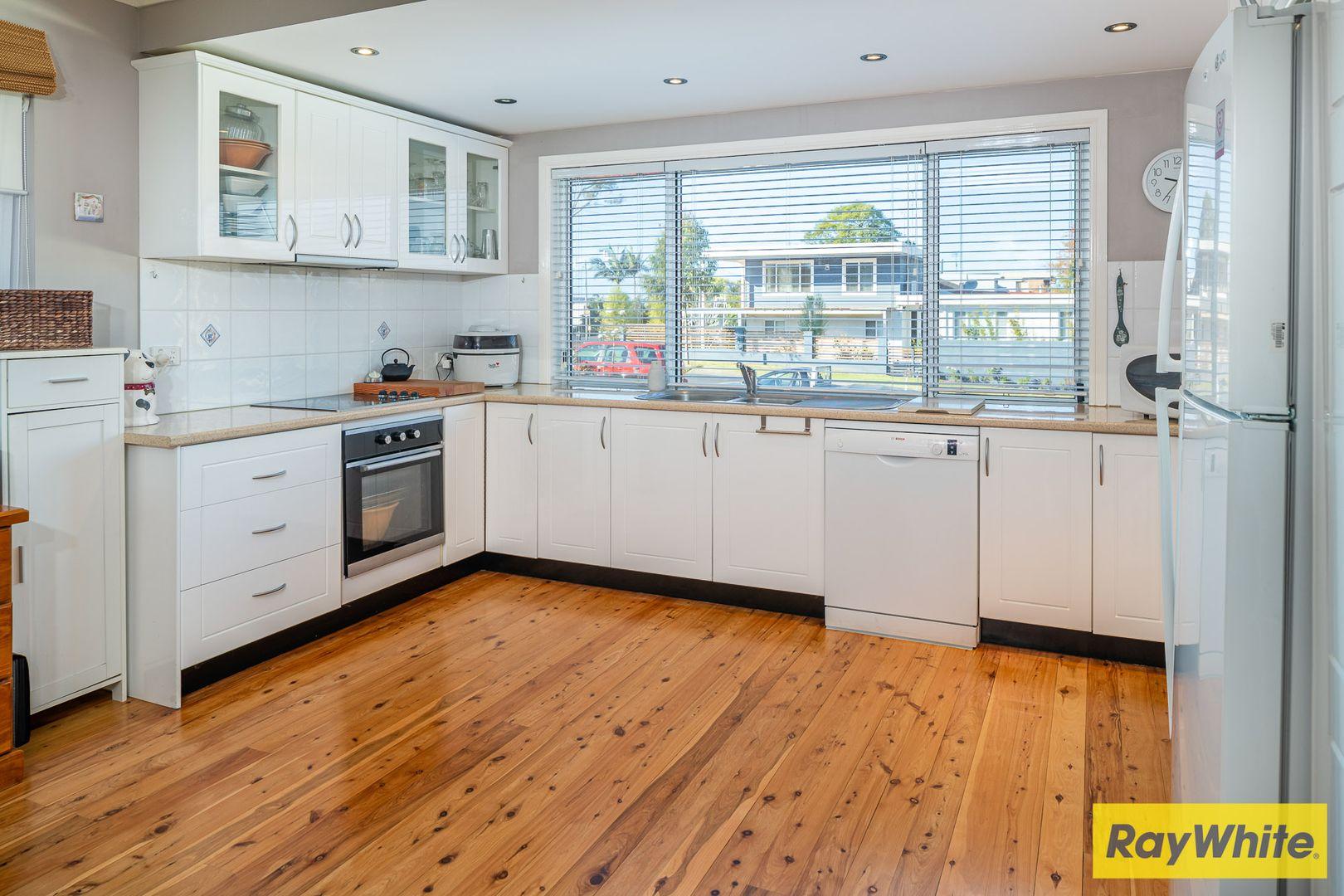 28 Derribong Avenue, Catalina NSW 2536, Image 2
