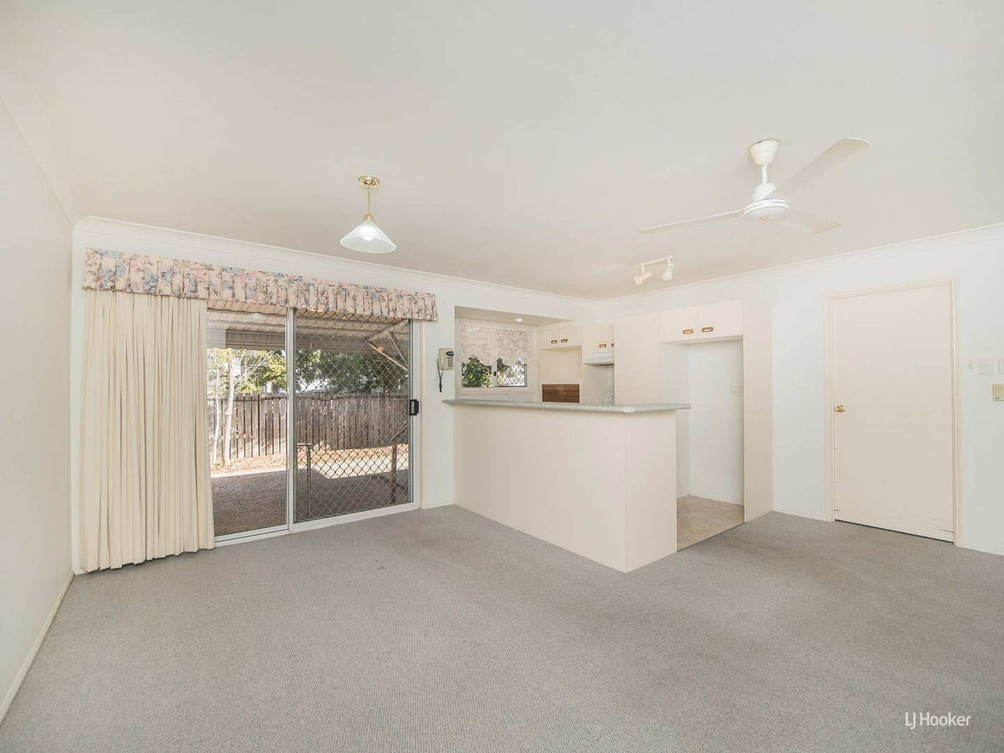 17/100 Victoria Place, Berserker QLD 4701, Image 2