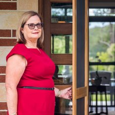 Jenny Pedrini, Sales representative