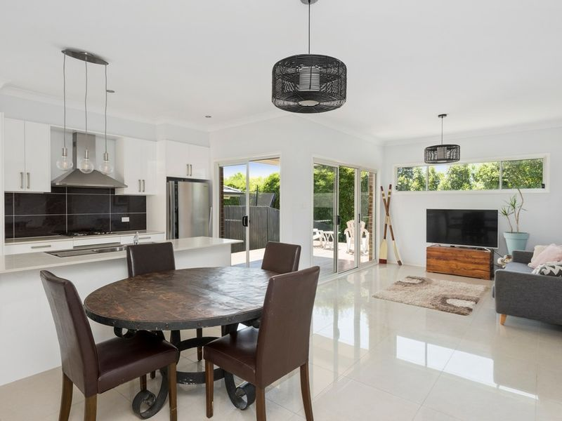 5 Wallaby Circuit, Mona Vale NSW 2103, Image 2