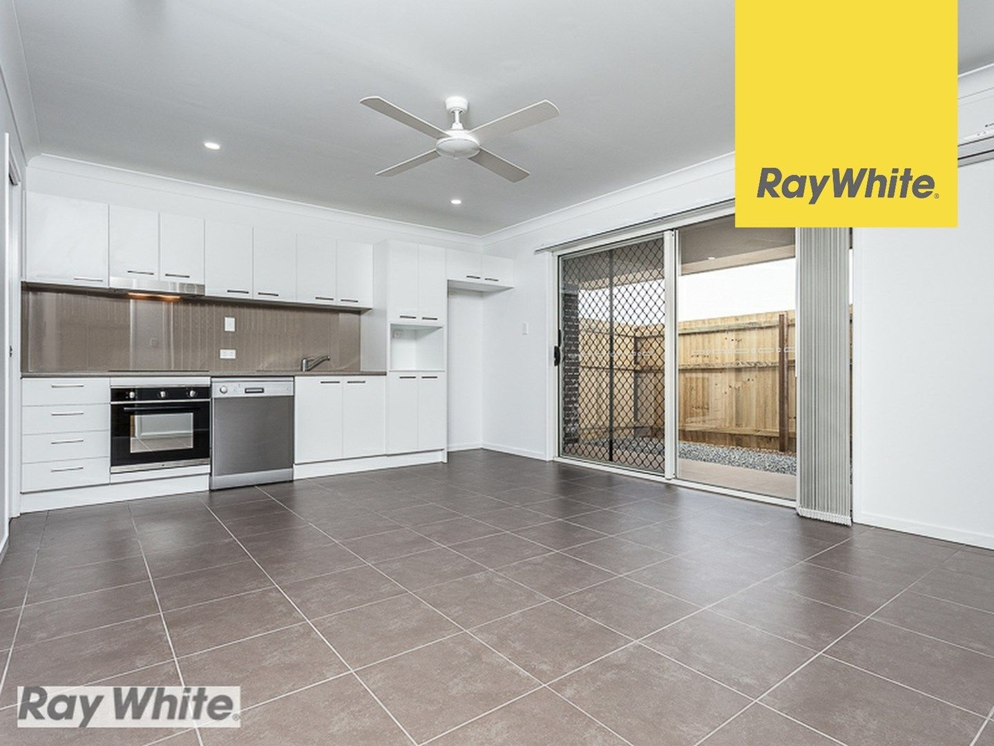 2/3 Celebration Crescent, Griffin QLD 4503, Image 0