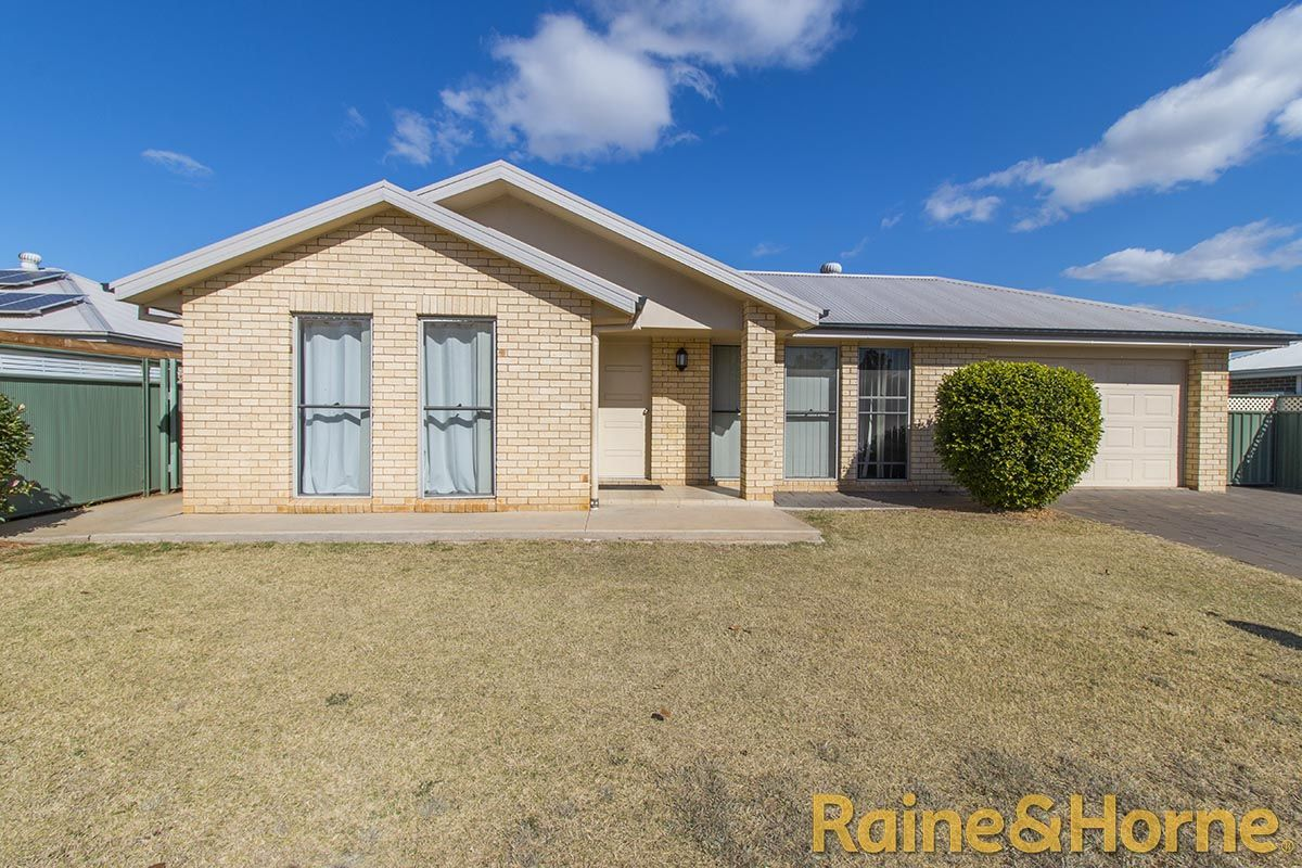 15A Dunheved Circle, Dubbo NSW 2830, Image 0