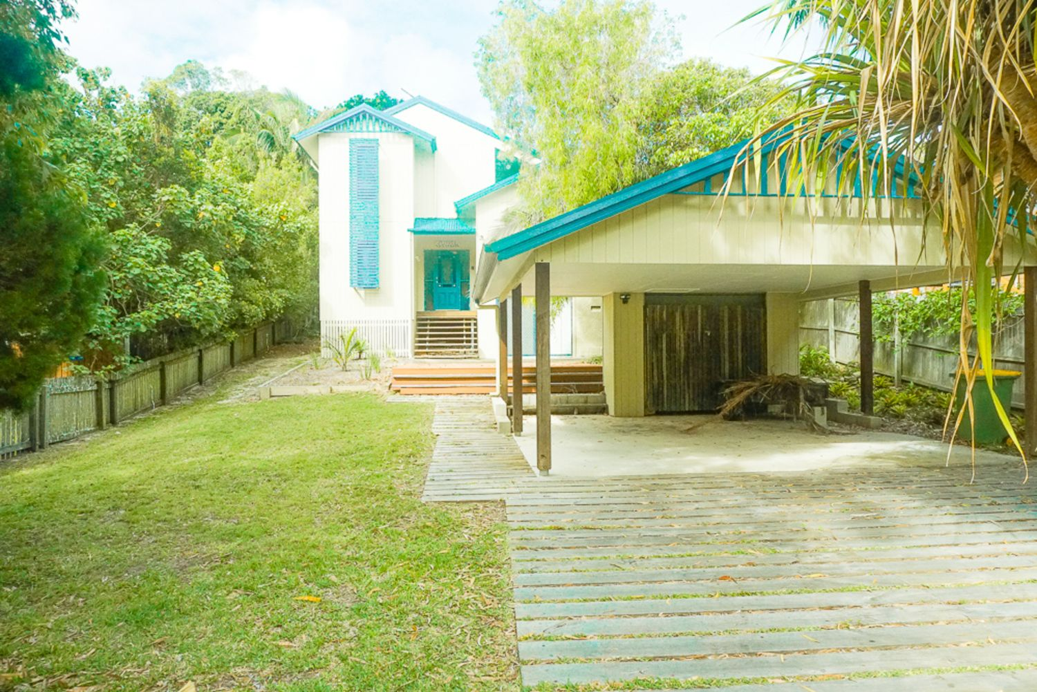 FLIPPER HOUSE, 15 Bigoon Road, Point Lookout QLD 4183, Image 1