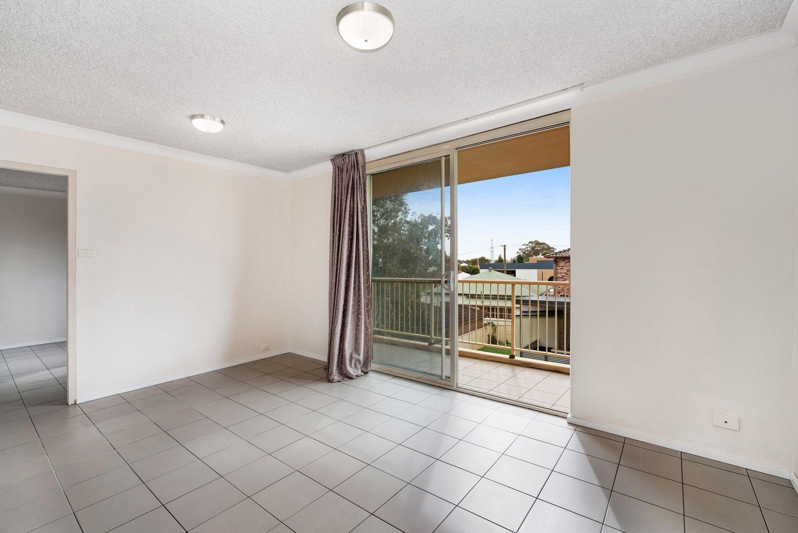 4/172 Brunker Road, Adamstown NSW 2289, Image 2