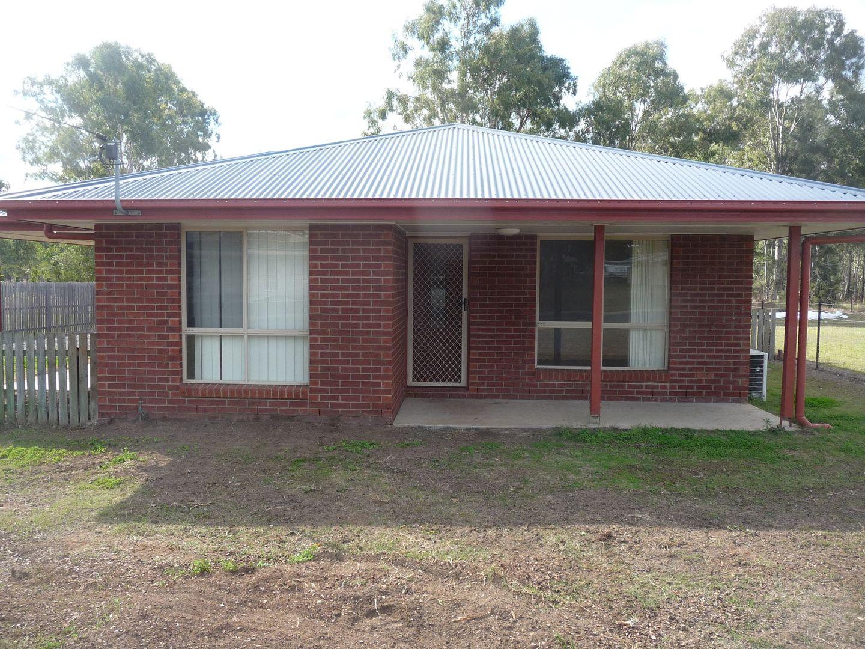 24 HAWTHORNE ST, Nanango QLD 4615, Image 2