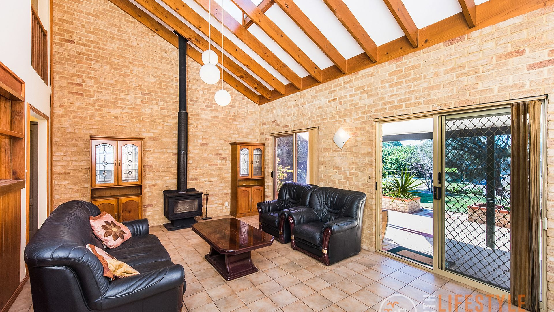 7 Valkyrie Place, Two Rocks WA 6037, Image 2
