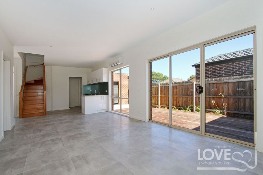 2/46 Barry  Street, Reservoir VIC 3073, Image 0