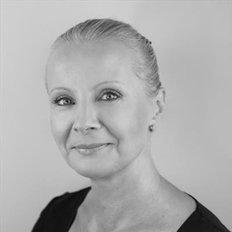 Trish Cooper, Sales representative