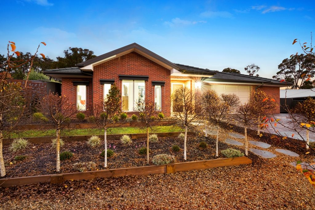 15 Greenhaven Court, Mount Clear VIC 3350, Image 0