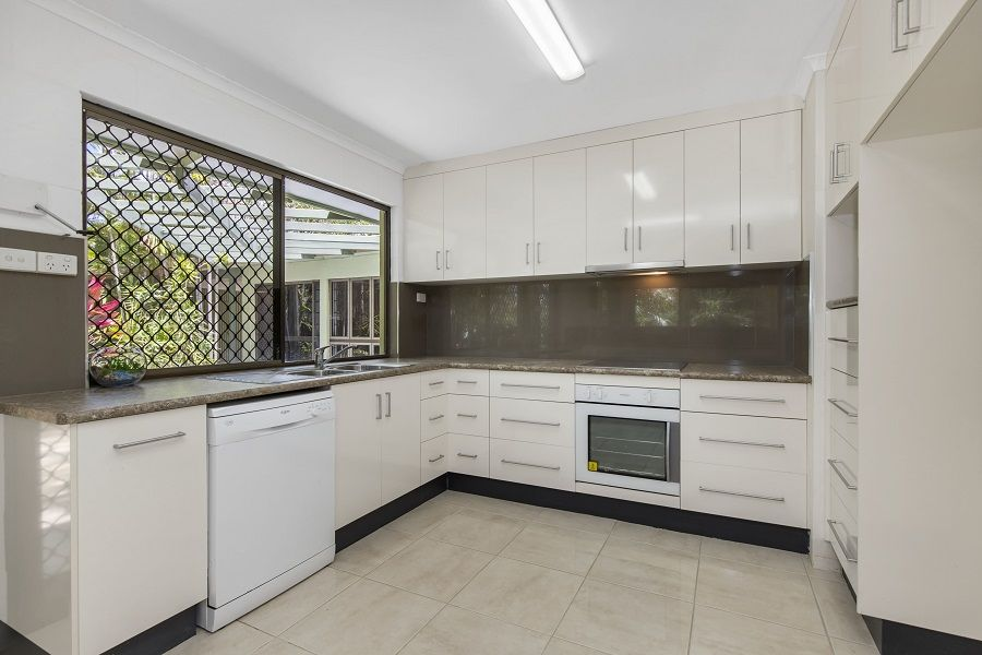 5 Laurel Court, Kelso QLD 4815, Image 2