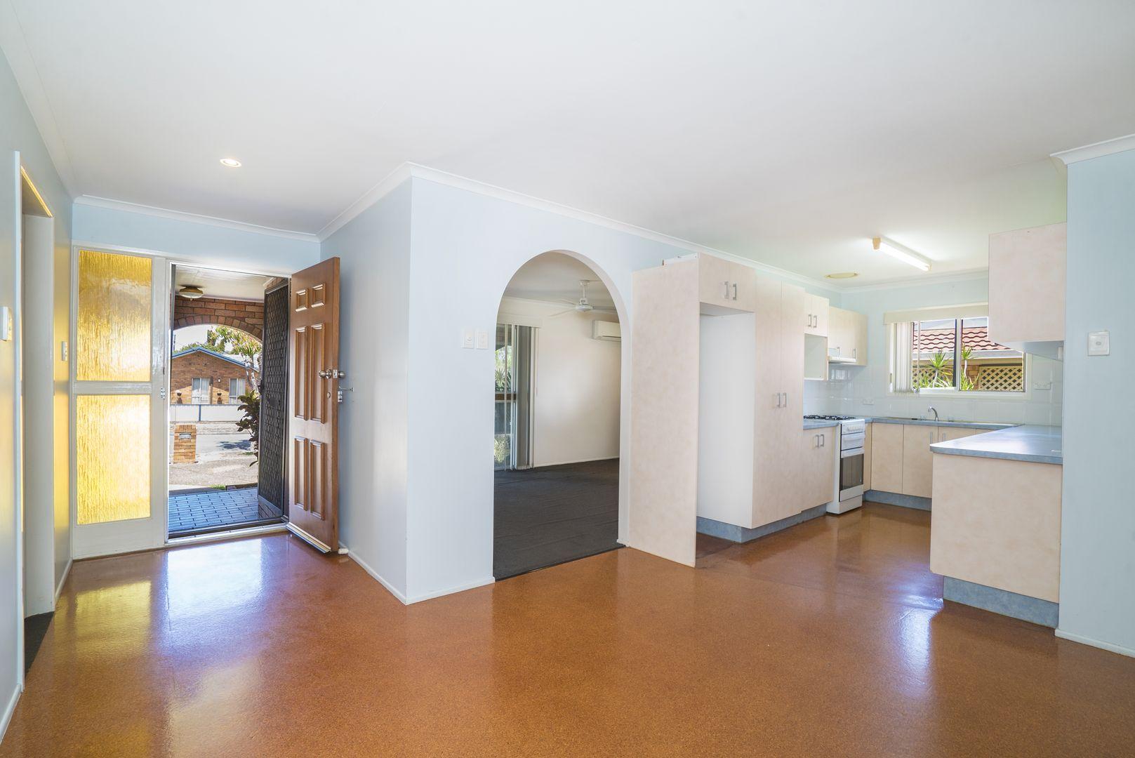 41 Susan Avenue, Kippa-Ring QLD 4021, Image 2