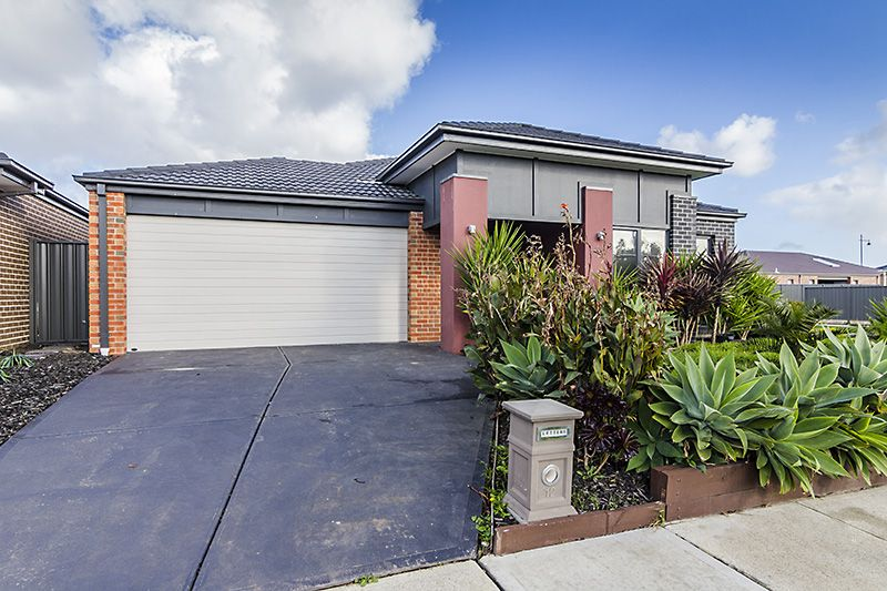 12 Gladiolus Circuit, Cranbourne North VIC 3977, Image 0