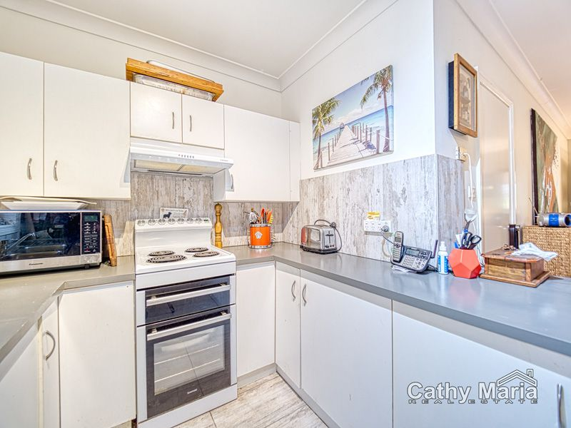 2/2 Dale Avenue, Chain Valley Bay NSW 2259, Image 2