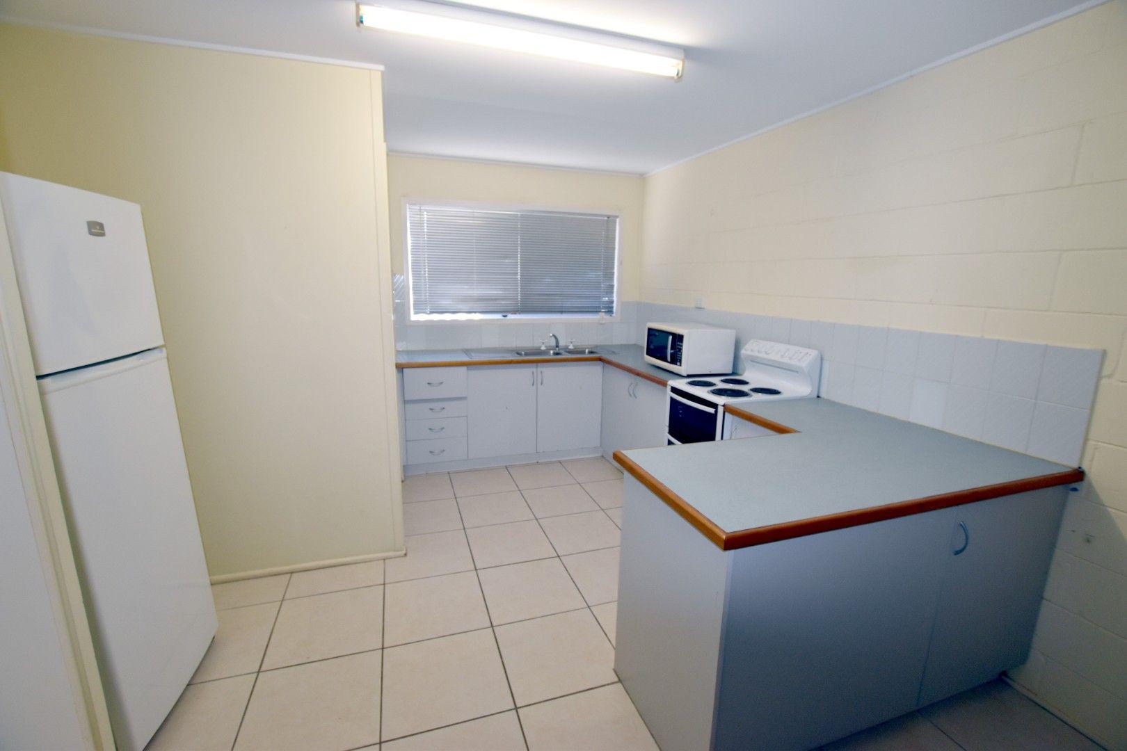 2/30 Wistari Street, Clinton QLD 4680, Image 2