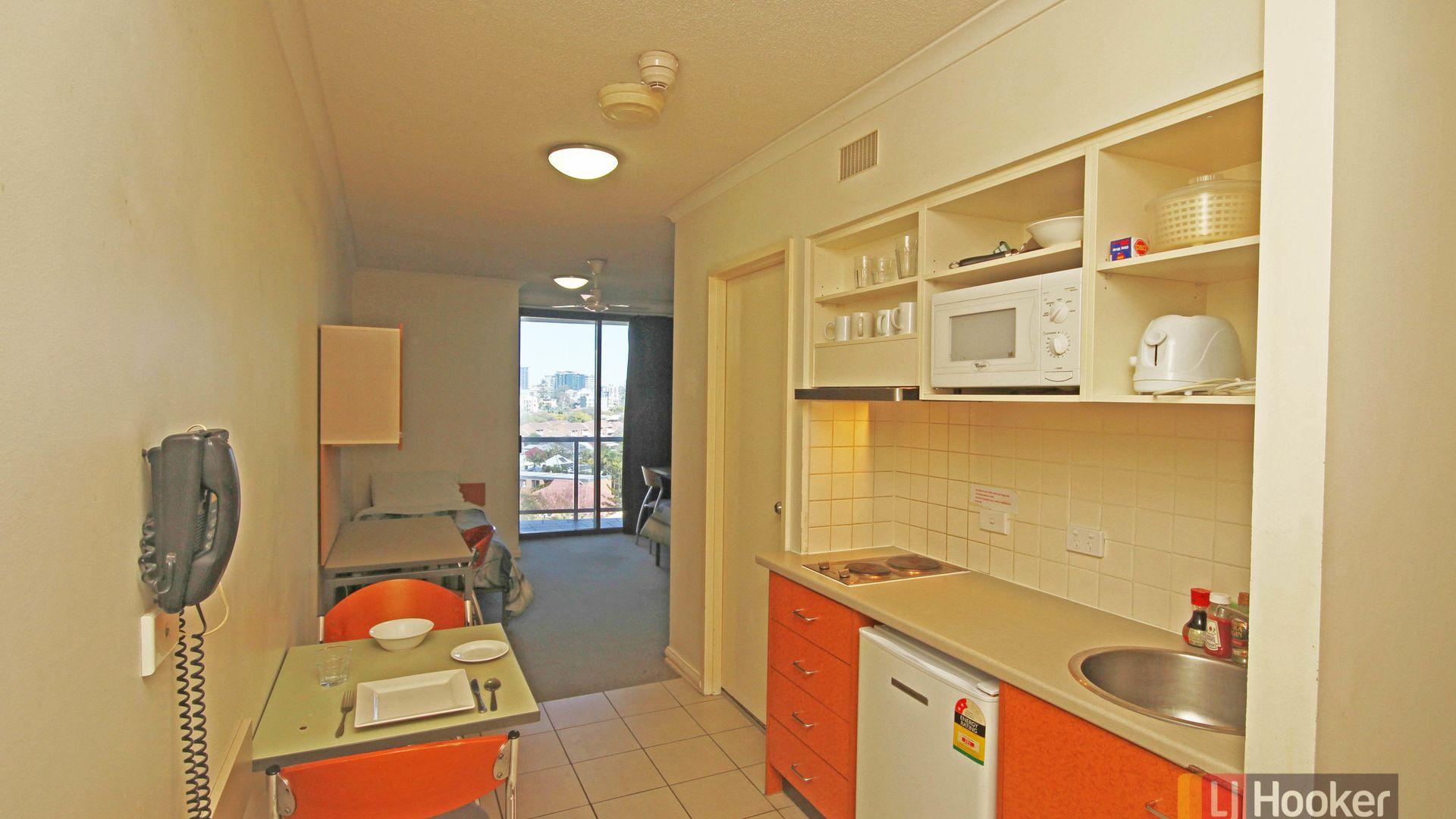 509/188 Shafston Avenue, Kangaroo Point QLD 4169, Image 2
