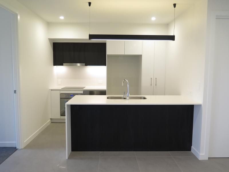 215/32-38 Latimer Street, Holland Park QLD 4121, Image 1