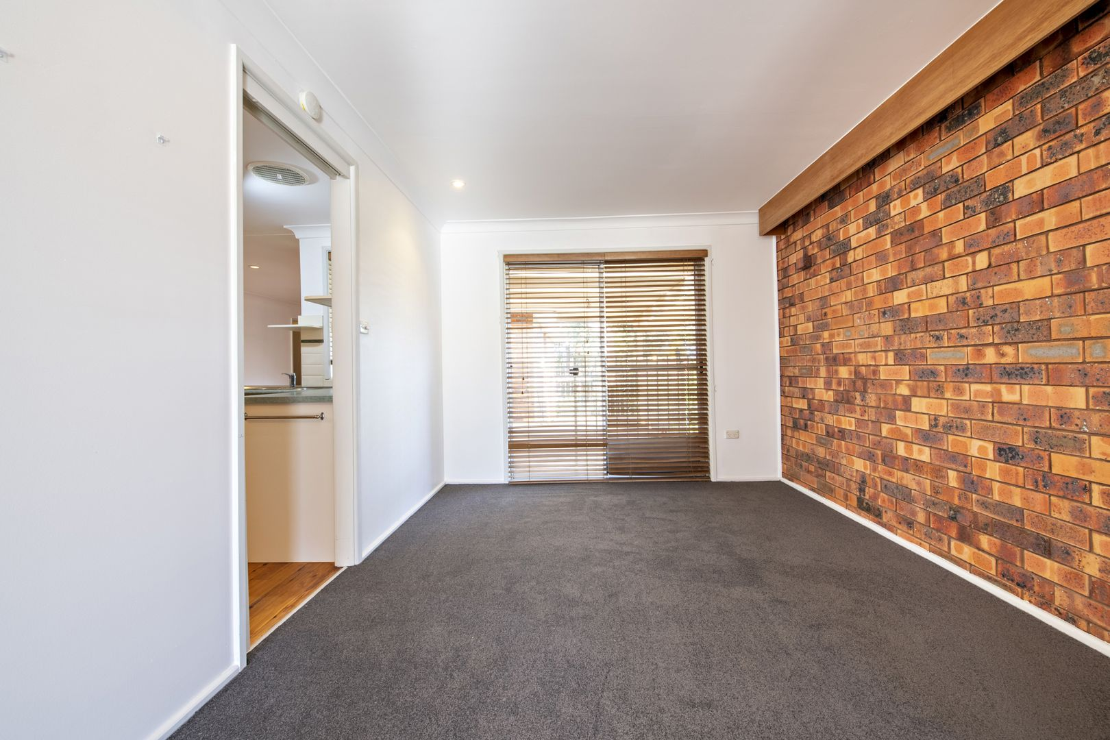 29 Sapphire Street, Dubbo NSW 2830, Image 2
