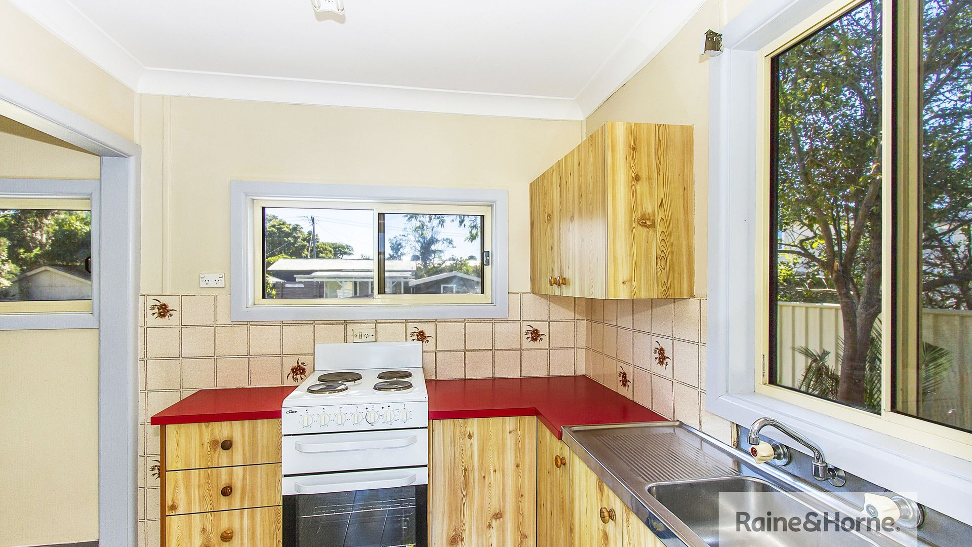 55 Palm Street, Ettalong Beach NSW 2257, Image 2