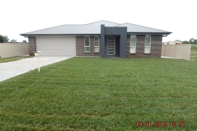 Picture of 33 Amber Close, KELSO NSW 2795