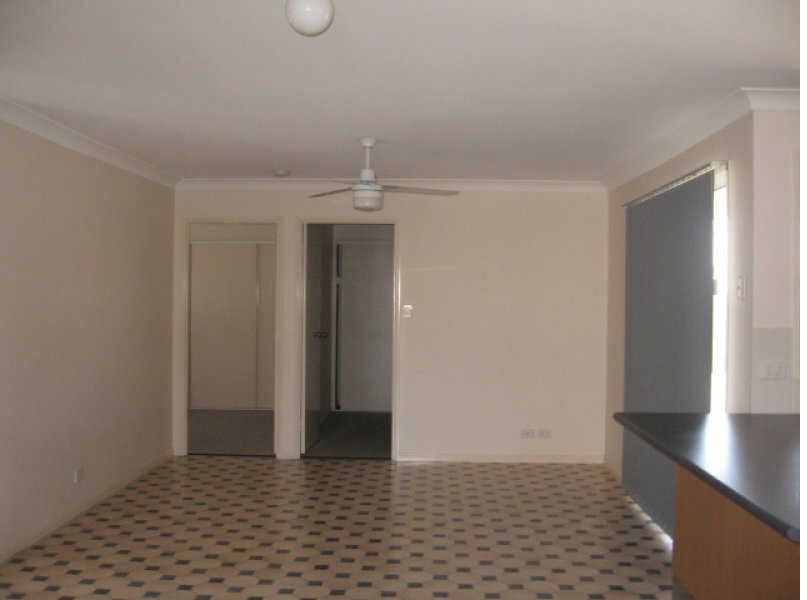 37 Murraya Drive, Morayfield QLD 4506, Image 2