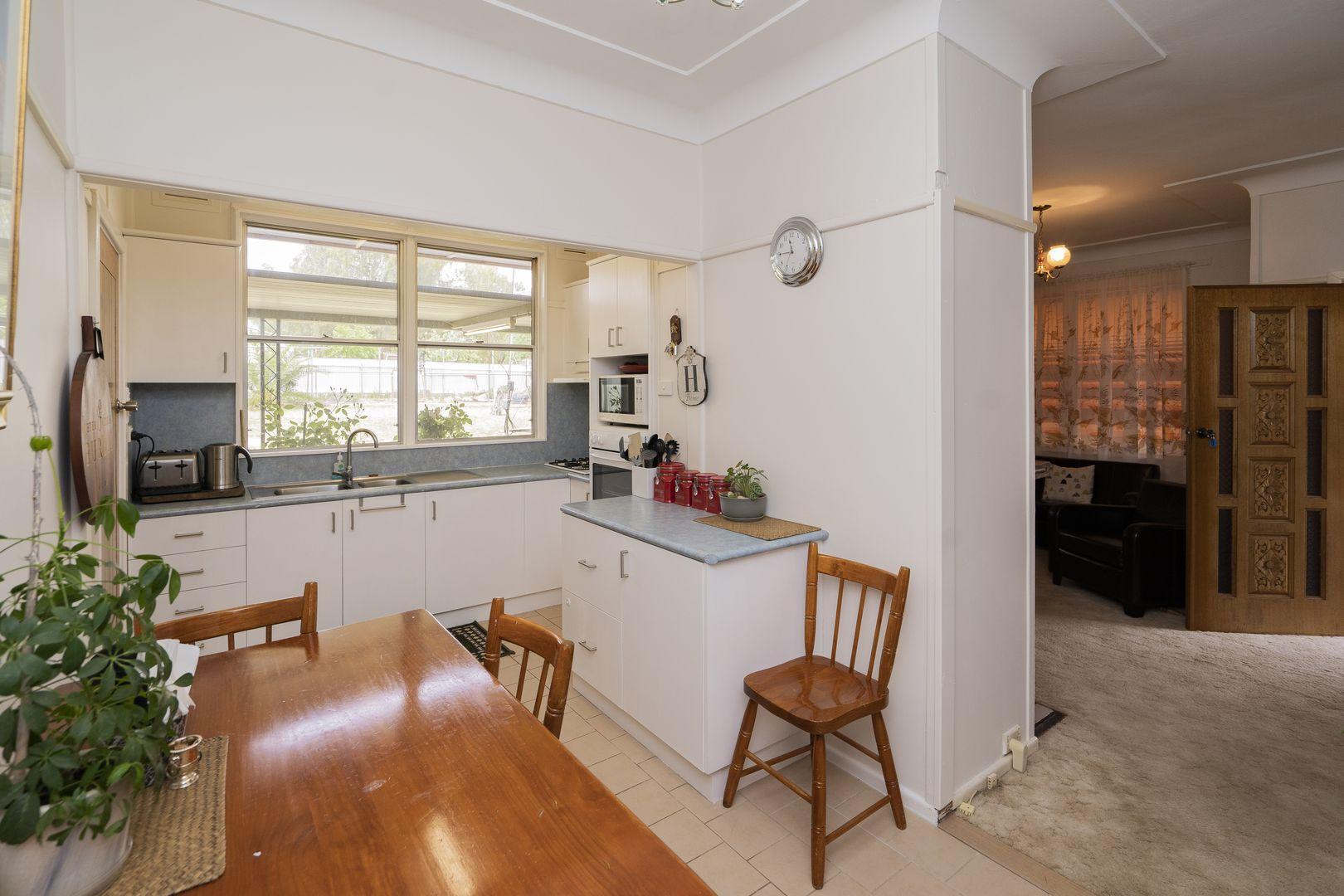 74 Victoria Avenue, Narrandera NSW 2700, Image 2