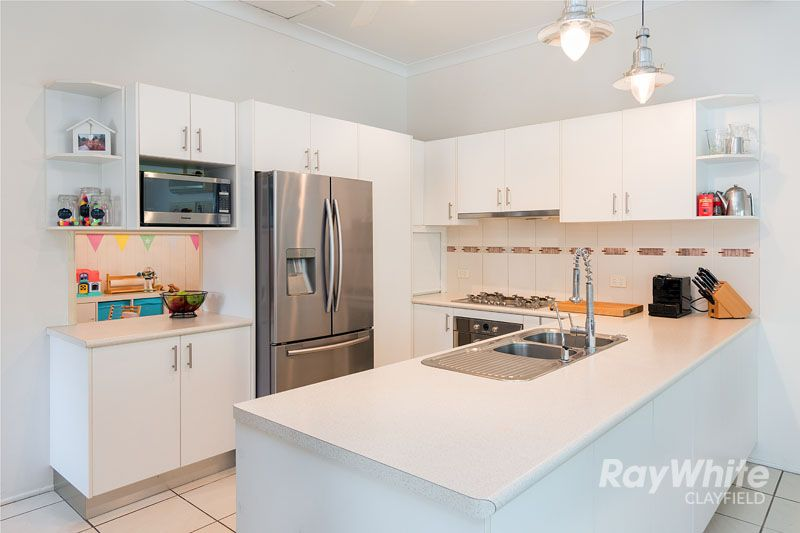 11 Victoria Street, Clayfield QLD 4011, Image 2