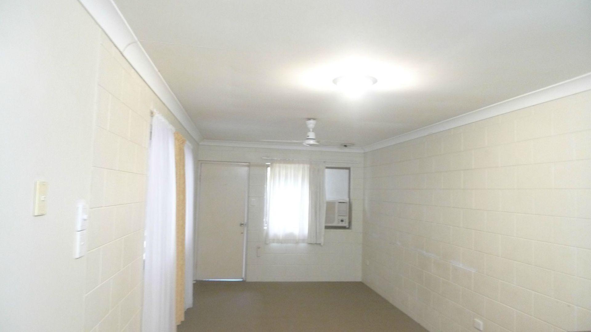 5/39 Park Street, Pimlico QLD 4812, Image 2