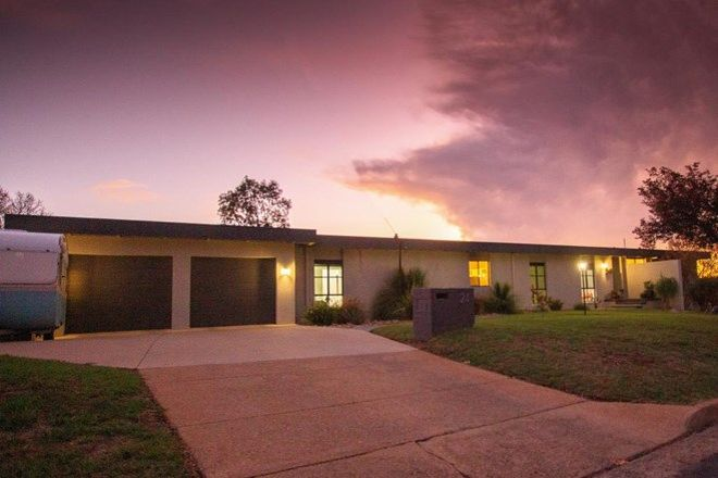 Picture of 24 Toompang Street, YOUNG NSW 2594