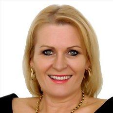 Tracie Jennings, Sales representative