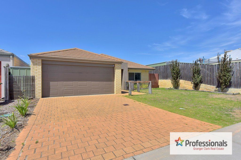 4 Tuross Way, Ellenbrook WA 6069, Image 2