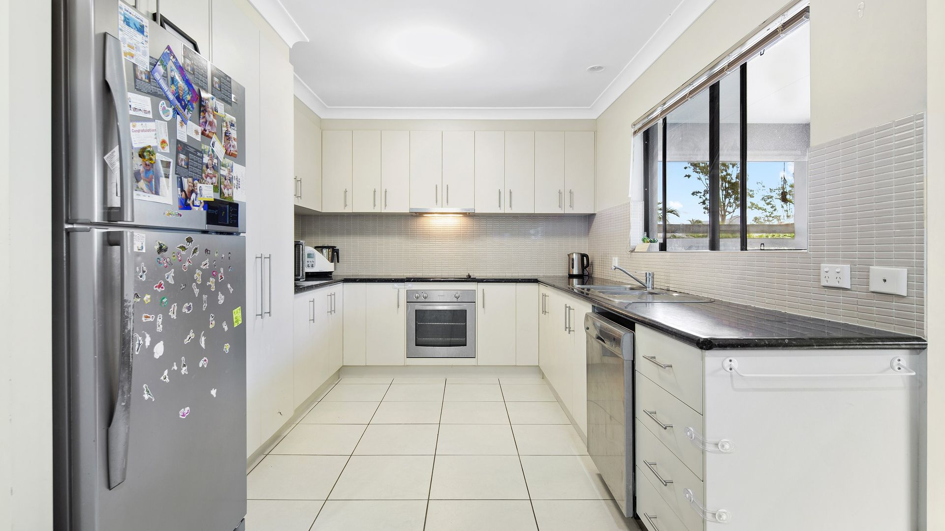 1/24 Links Drive, Cannonvale QLD 4802, Image 1
