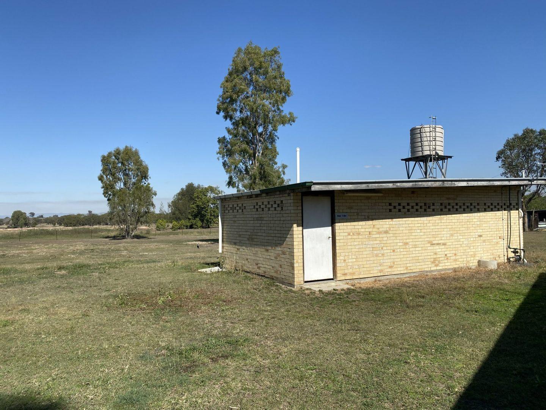 16 Topaz Crescent, Lockyer Waters QLD 4311, Image 2