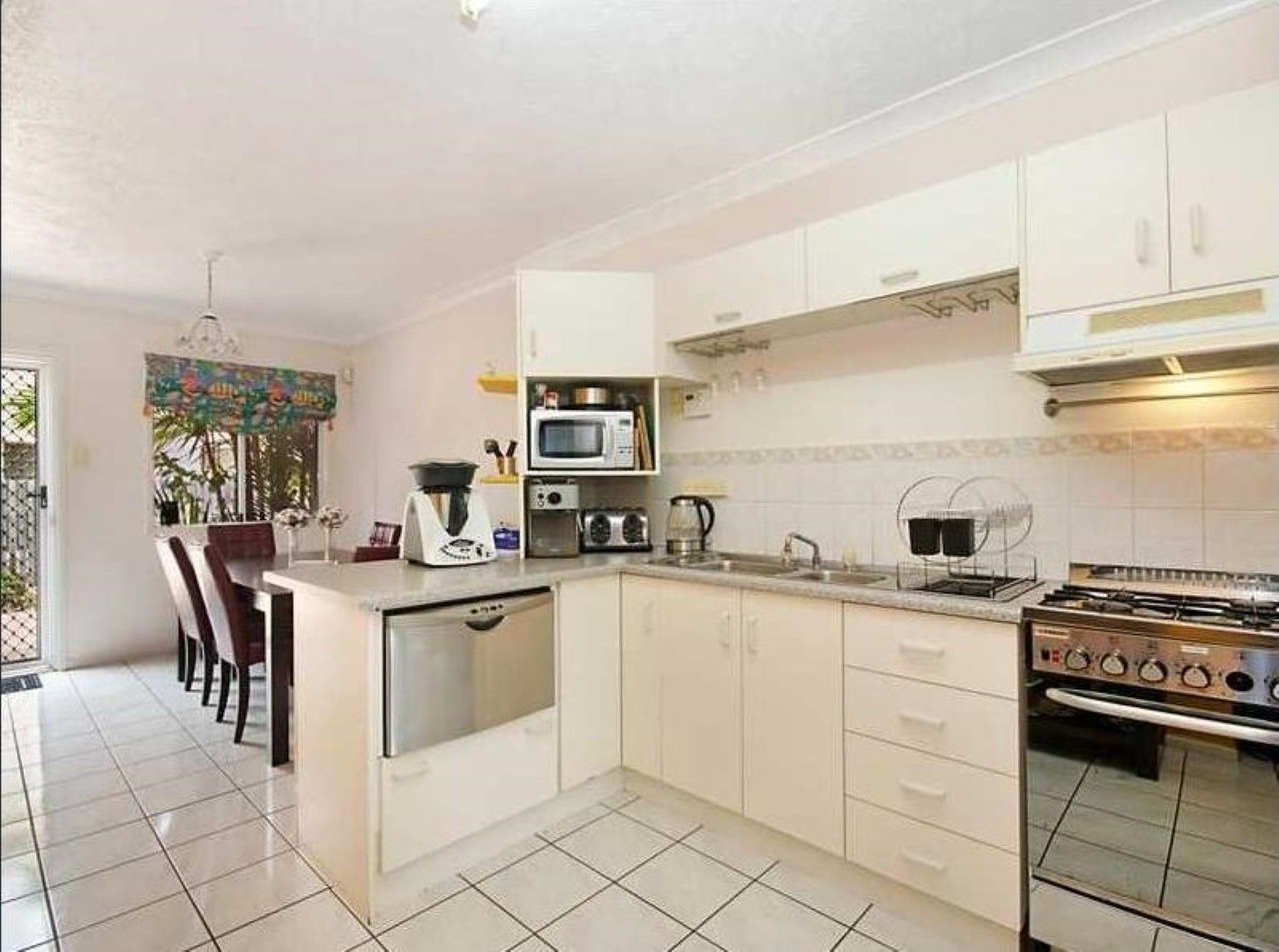 4/11 Second Avenue, Railway Estate QLD 4810, Image 0