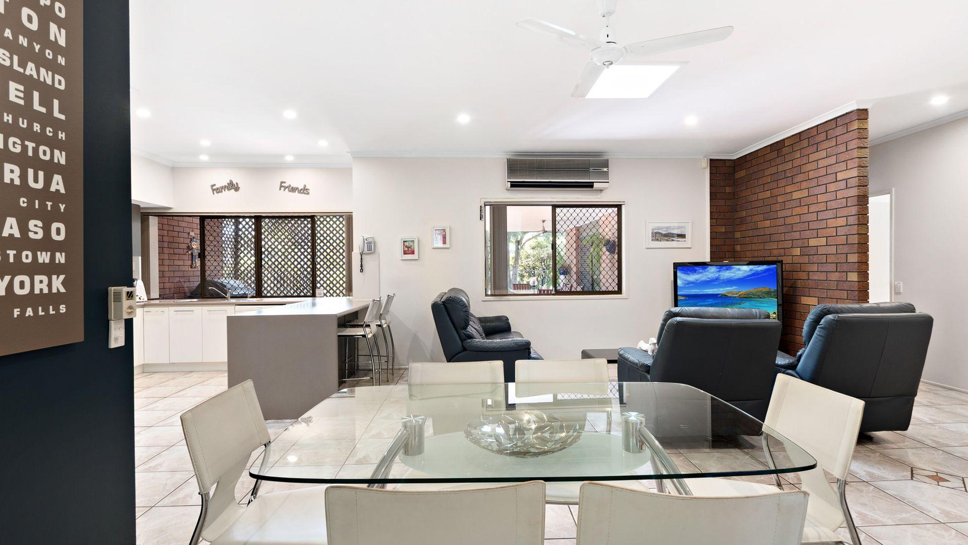 10 Tetragona Drive, Arana Hills QLD 4054, Image 1