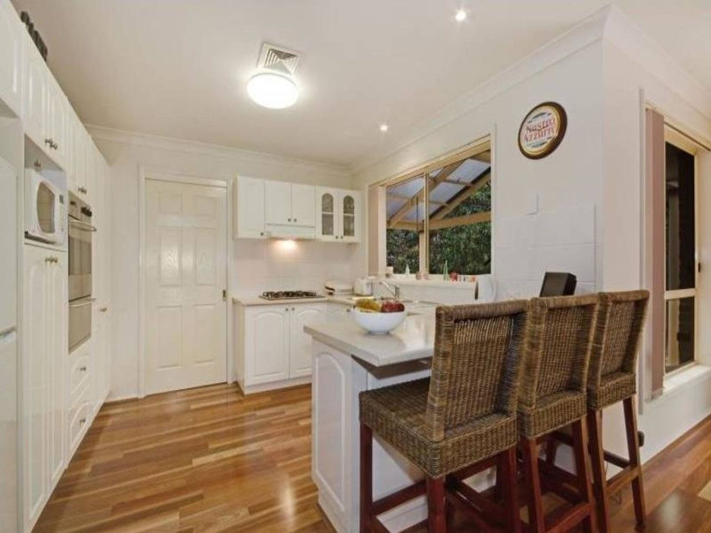 4 Longley Place, Castle Hill NSW 2154, Image 2