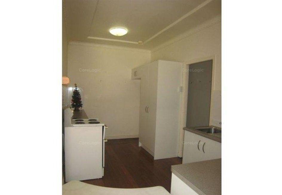 67 Eugaree Street, Southport QLD 4215, Image 2