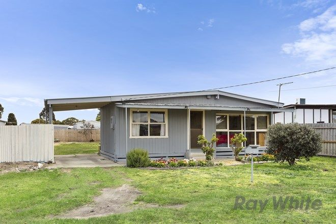Picture of 6 Wattletree Avenue, ST LEONARDS VIC 3223