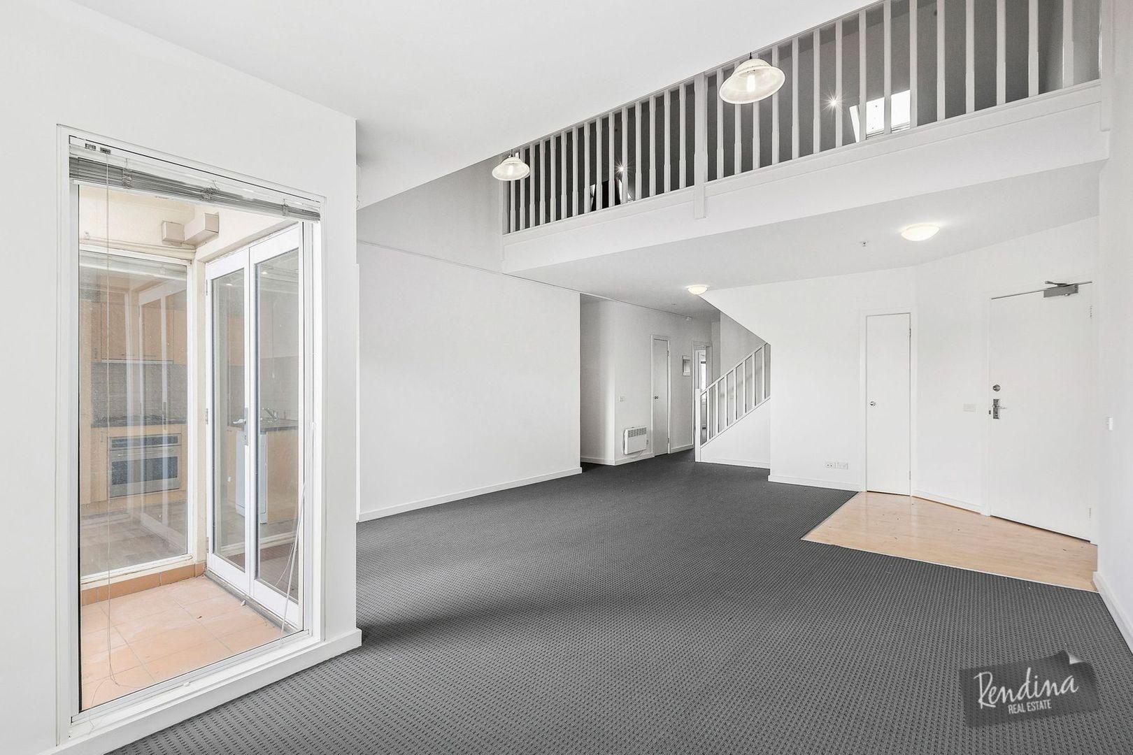 18/1 Gatehouse Drive, Kensington VIC 3031, Image 2