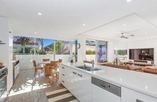 Picture of 1/11 Eden Avenue, Rainbow Bay QLD 4225