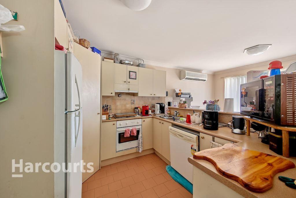 1 Casuarina Place, Macquarie Fields NSW 2564, Image 2