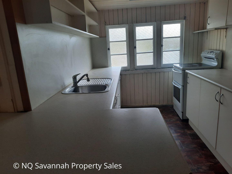 19 Rogers Street, Ravenshoe QLD 4888, Image 2