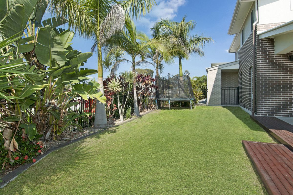 22 Long Island Drive, Windaroo QLD 4207, Image 2