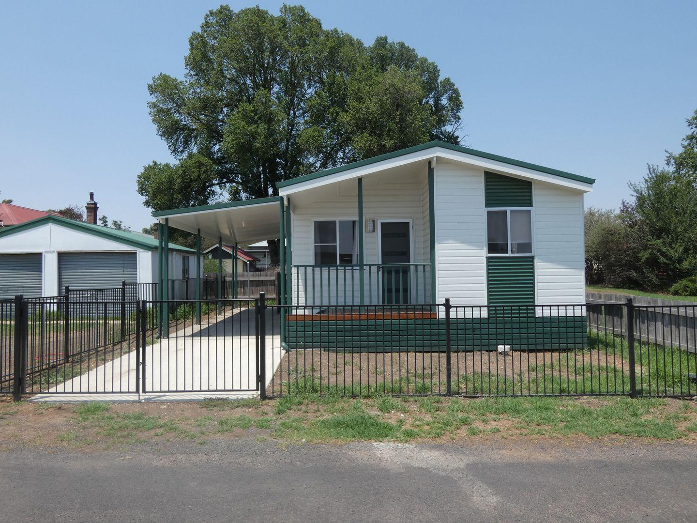 2 NAUGHTEN AVENUE, Armidale NSW 2350, Image 0