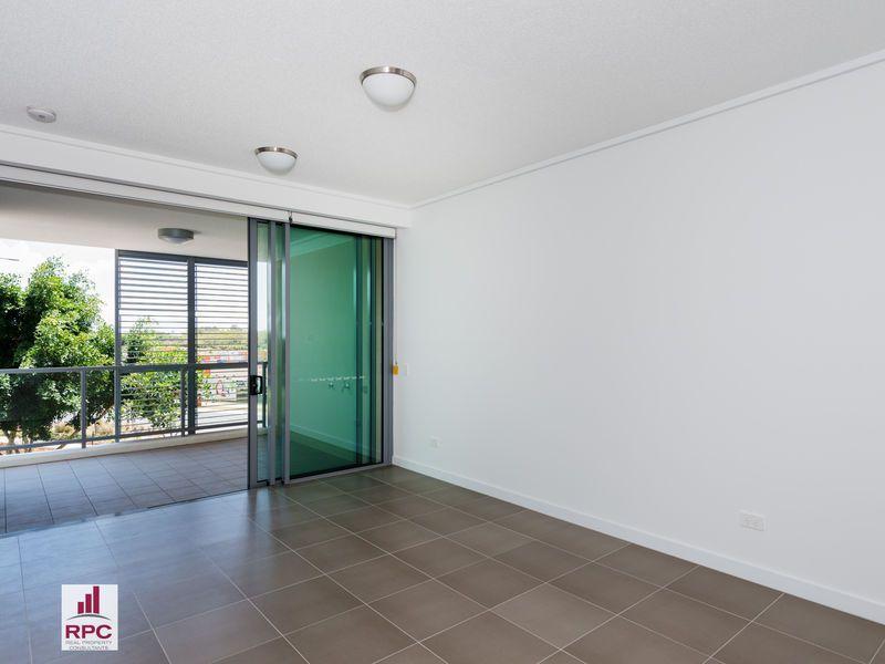3205/126 Parkside Circuit, Hamilton QLD 4007, Image 1