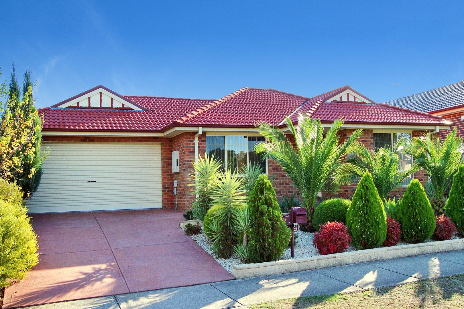 19 Poppy Drive, South Morang VIC 3752, Image 0