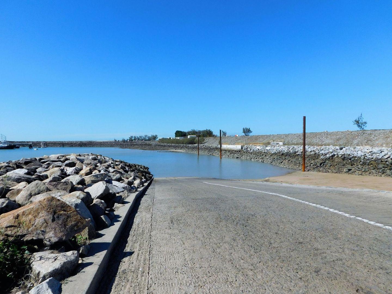 8 Peninsula Drive, Hay Point QLD 4740, Image 2